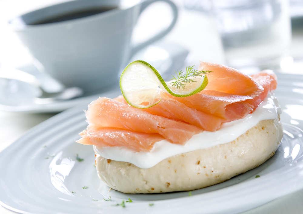 Una receta sencilla para hacer en casa: el pastel de salmón frío